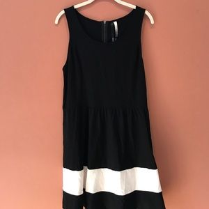 Kensie Black and White Fit and Flare Dress